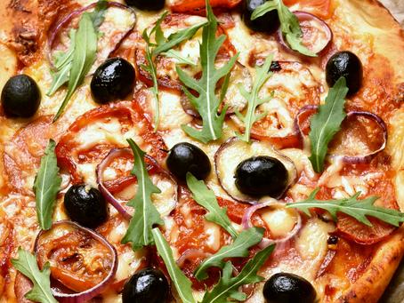 Delicious Garden-Fresh Sliced Tomato Pizza Recipe