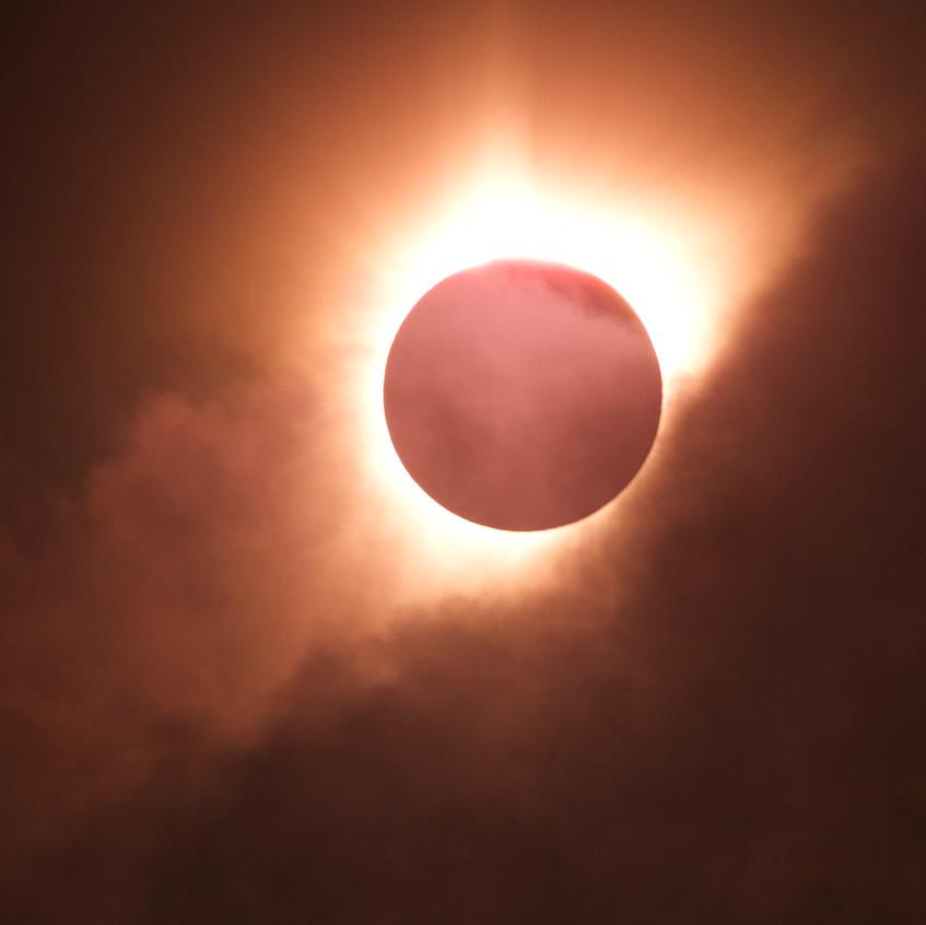 Nube al finalizar el eclipse total