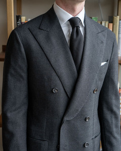 Close-up front view of Anglo-Italian double-breasted suit