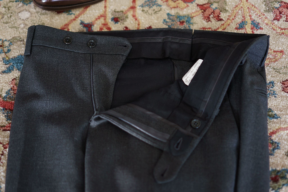 The zipper fly and closure of the Cavour winter hightwist sui trousers