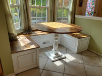 "Barnwood Built-in & 48"" Table"