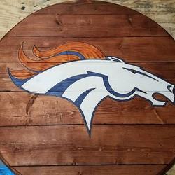 "48"" Rounds Table - Denver Broncos"