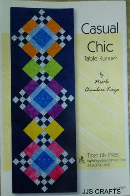 Casual Chic Table Runner