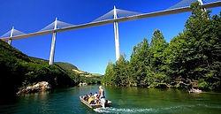 Viaduc de Millau, ballade en barque, canoe kayak, gorge du tarn, pêche en rivière