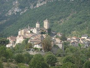 Peyreleau, village médieval, gorge du tarn, templiers, aveyron, lozère, millau, vieille pierre, chateau, chapelle, triadou, nature, randonnée