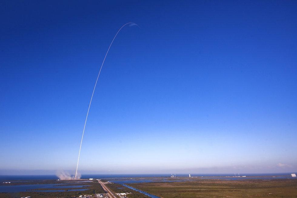 SpaceX%20Falcon%209%20Launch_edited.jpg
