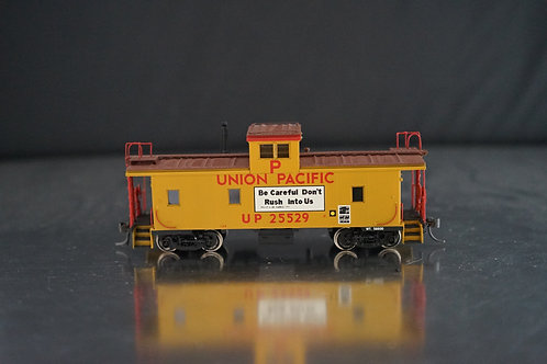 OVERLAND MODELS UNION PACIFIC CA-8 STEEL CABOOSE C/P EXCELLENT