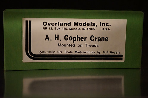 OVERLAND GOPHER CRANE MOUNTED ON TREADS UNPAINTED LIKE NEW