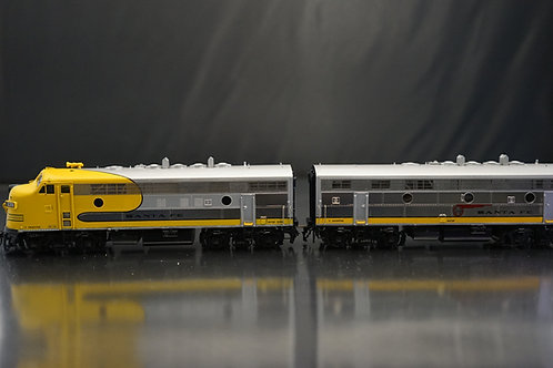 OVERLAND SANTA FE F7 A/B YELLOW BONNET DC/DC FACTORY PAINTED NEW CONDITION
