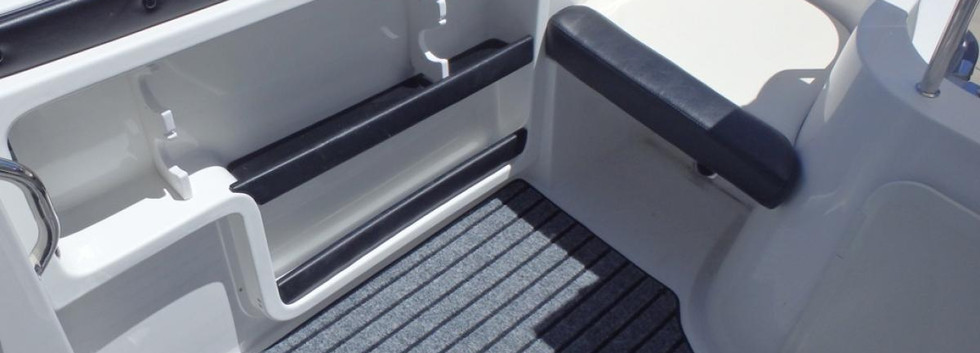 813-Optional-Marine-carpet-removeable-re