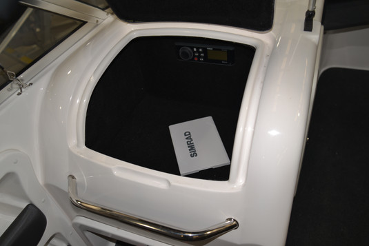 R590 X-Rider Over-Sized Glove Box