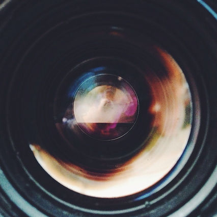 close-up-of-camera-lens-548569043-586fc0