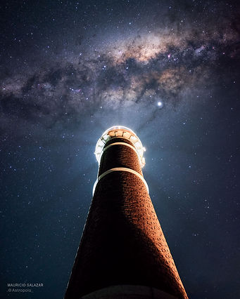 LighthouseMilkyWay_Salazar_960.jpg