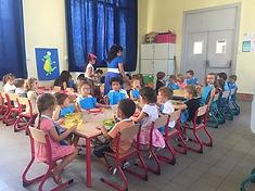 Cantine_maternelle_-_avec_enfants_-_Pixe
