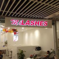 MiLASHES LED-skylt