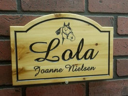Horse box stall signs