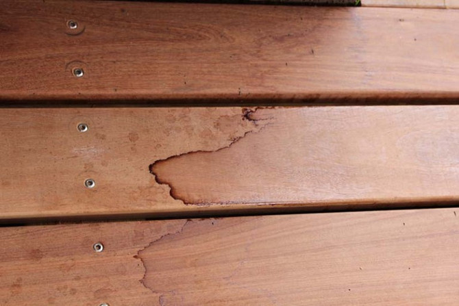 Removing Stains & Marks from Decks