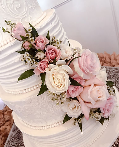 8 Round wedding cake with textured icing