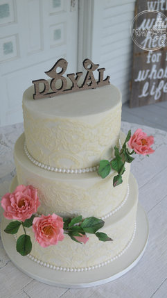 Vintage Wedding Cake with Edible Wild Roses and Buttercream Lace