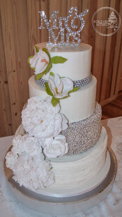 Round Wedding Cake with Beaded Tier Silver