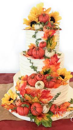 21 Wedding cake with pumpkins, fall leav