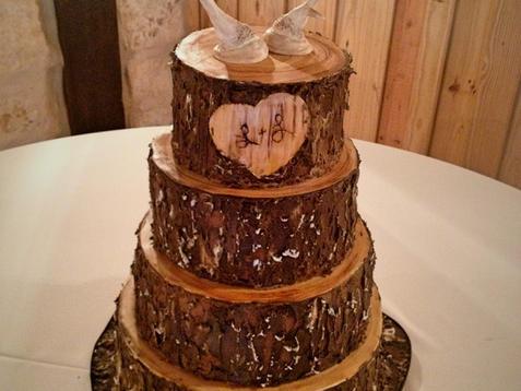 Tree Trunk Groom's Cake with Deer Horns Topper