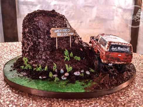Muddy Hill Grooms Cake