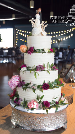 Shabby chic wedding cake with textured b
