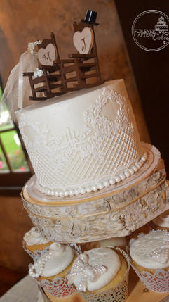 Top Tier with Edible Cake Lace for Shabby Chic Wedding Cupcakes