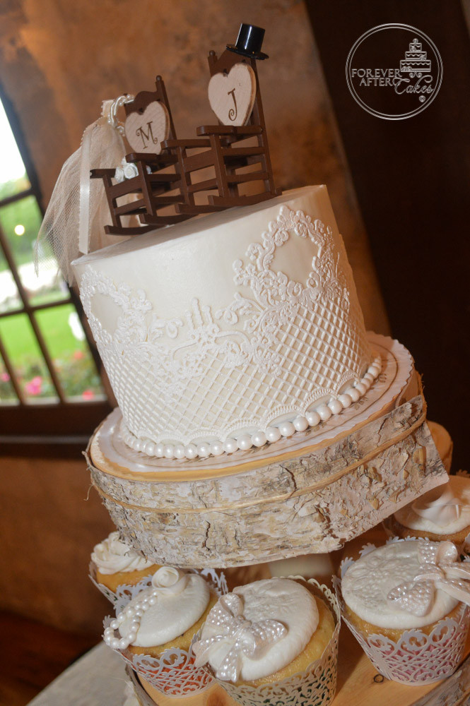 Top Tier with Edible Cake Lace for Shabby Chic Wedding Cupcakes ...
