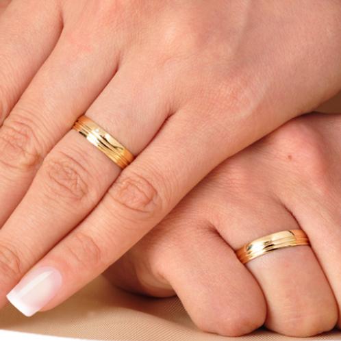 Par de Alianças de Casamento em Ouro 14K com Frisos