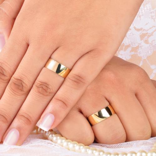 Par de Alianças de Casamento em Ouro 14K Tradicional 7 mm