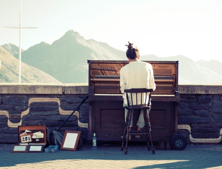 Mathias Piano Man