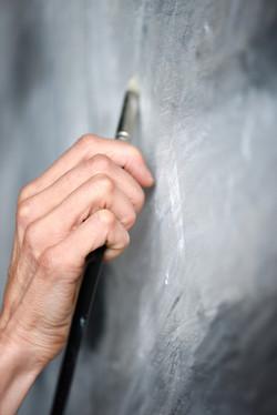 Isabelle de La Touche - swiss artist painter - Vaud - hand detail