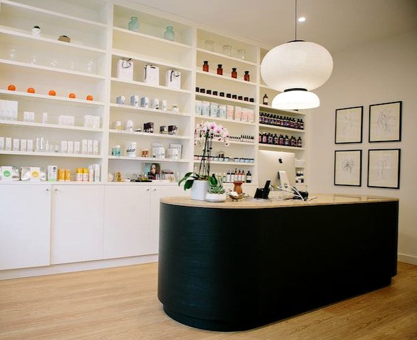 Vaia Beauty