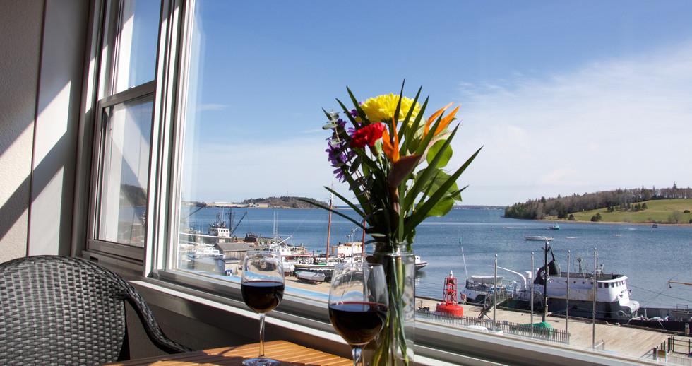 Oceanfront Honeymoon King Room with Balcony
