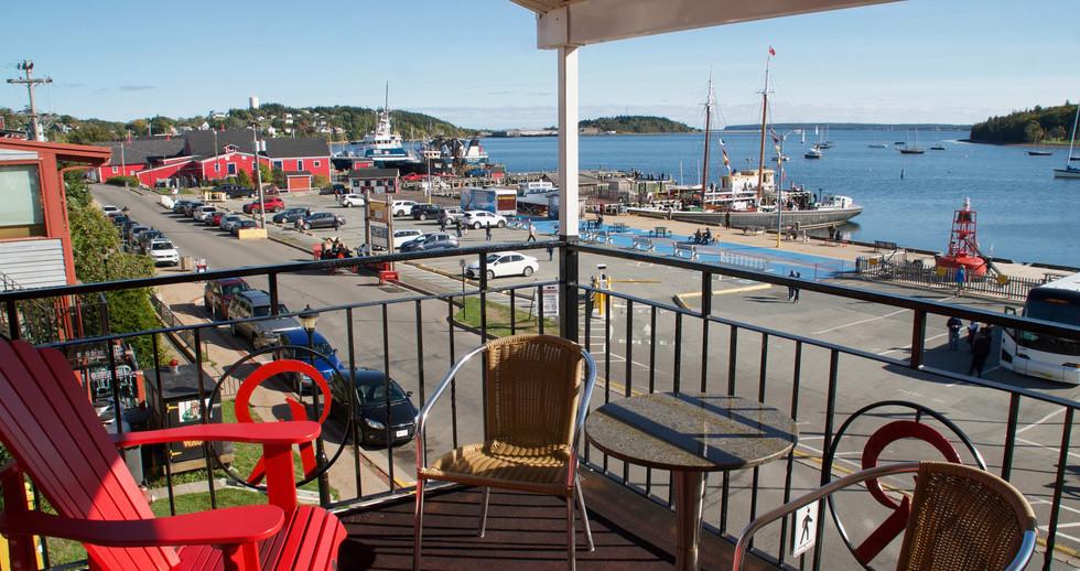 Oceanfront Executive King Room with Veranda