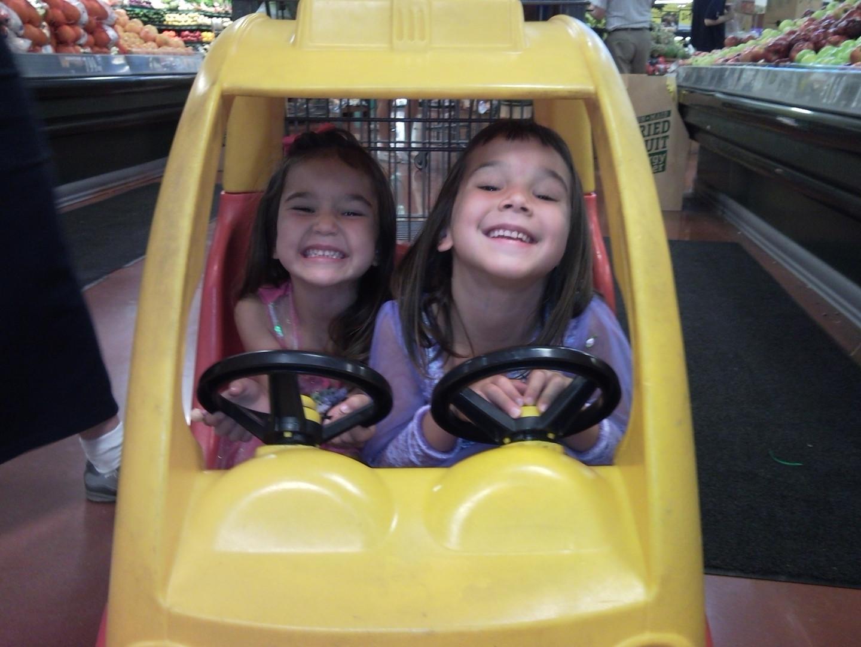 Julia and Anne in car Koeger.JPG