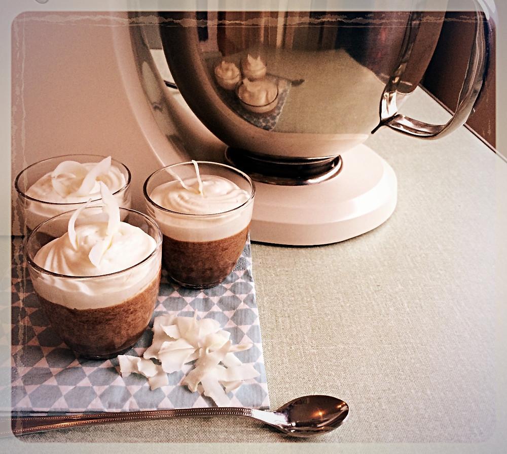 Mousse liégeoise chocolat au lait noix de coco ©Clémentine Chauveau