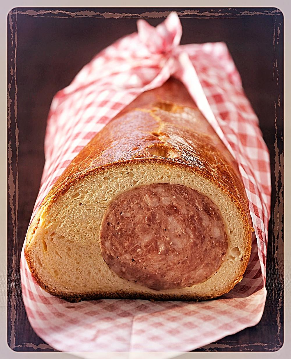 Saucisson brioché Au Roy Gourmet ©Clémentine Chauveau