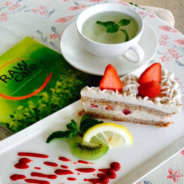 Strawberry soft cake