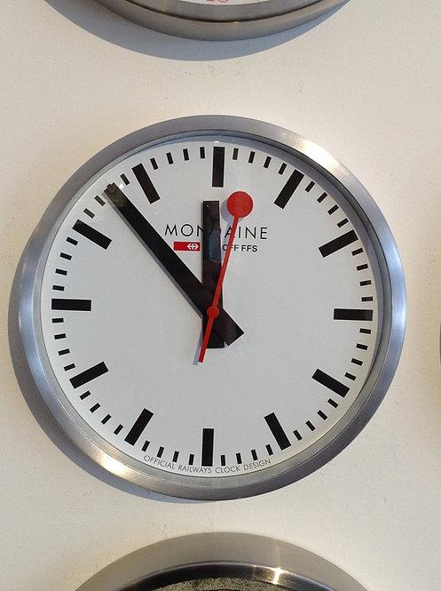 Mondaine  wall clock smart stop2go