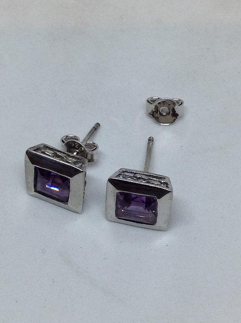 Zilveren oorsteker met amethist