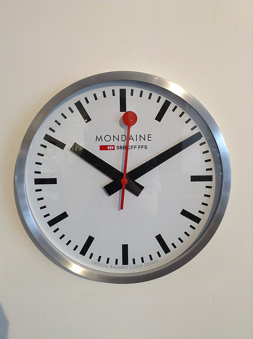 Mondaine  wall clock groot