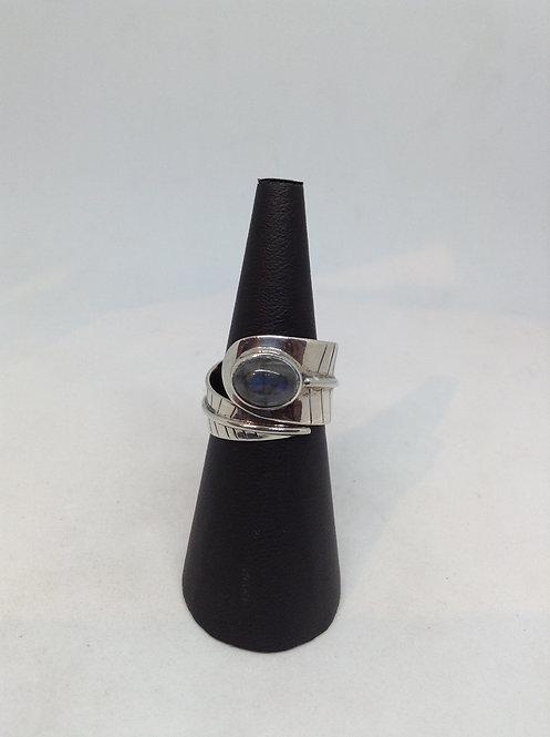 Zilveren ring met labrodoriet