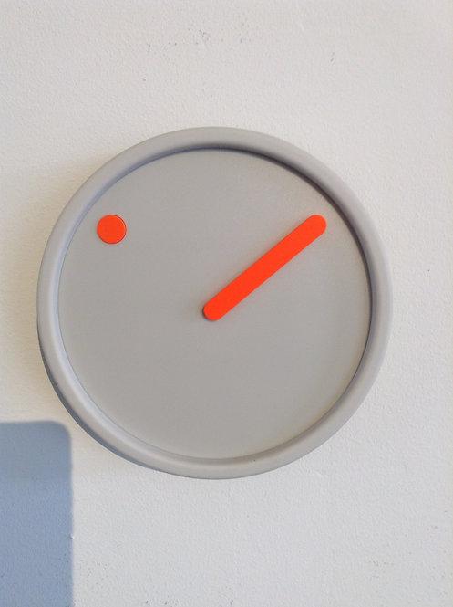 Picto quartz wall clock