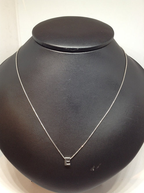 """Zilveren collier met letter""""E"""""""