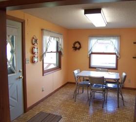 Cabin 3 Dining Area