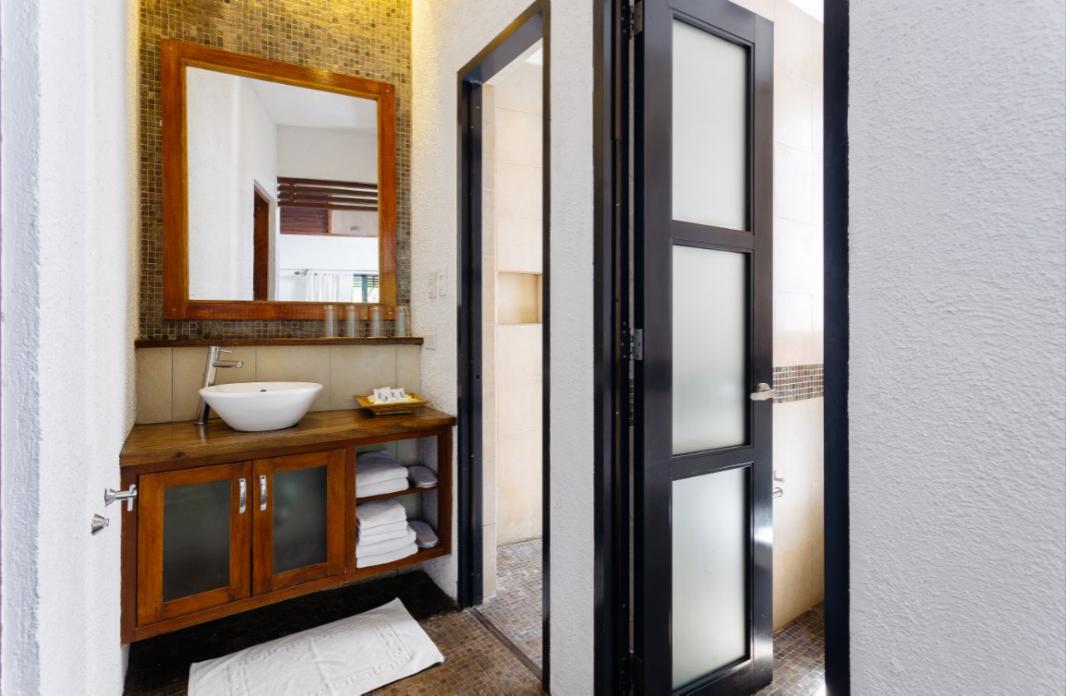 Ensuite 3-Point Bathroom