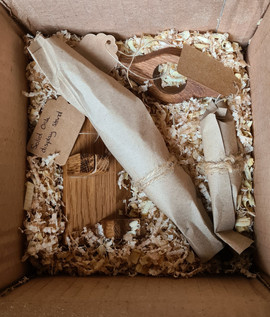 At Ferrero Rodcher, I work hard to use sustainable materials rather than add to the environmental problems we already face. Your order may be wrapped in brown paper or packed into wood shavings. Any cordage used will be natural and I avoid adhesive tape wherever possible.